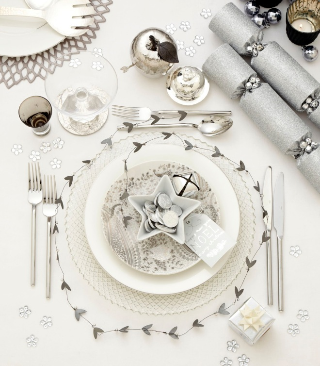 Place settings silver